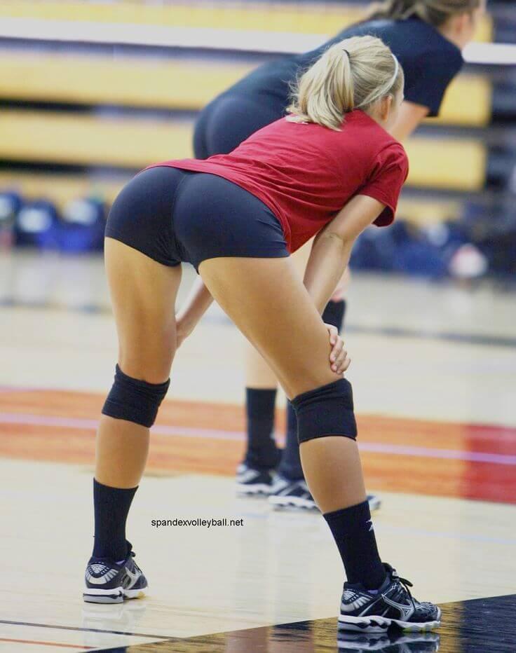 Попы спортсменок в сексуальных позах