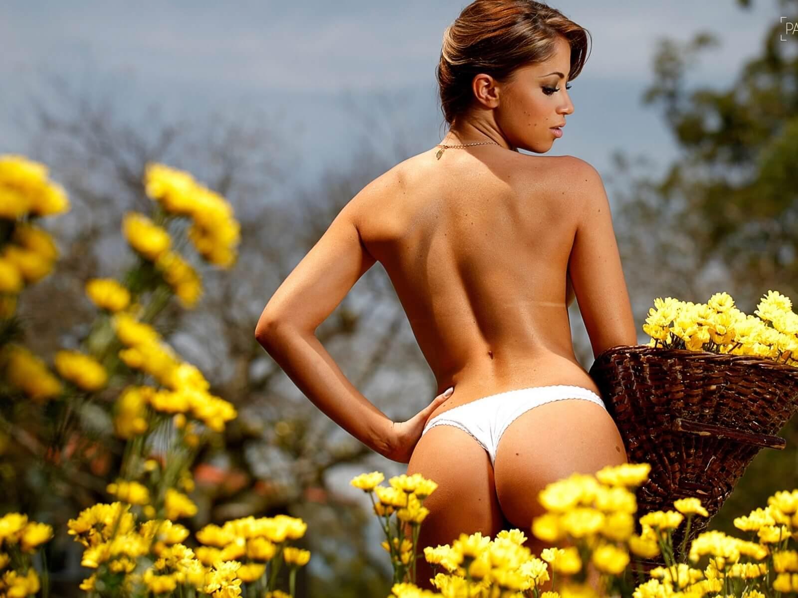 Возбуждающие попки весной
