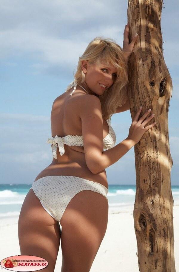 Пляжный вариант очень секси красивых поп