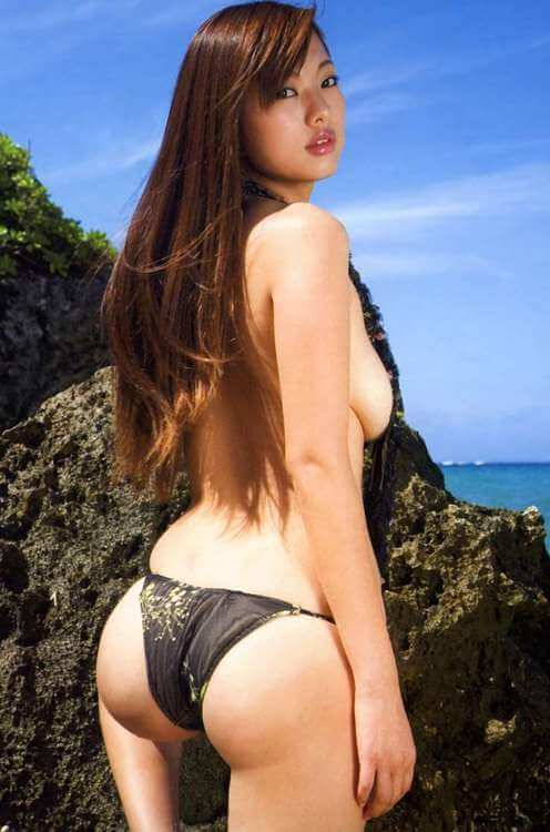 Пухлые попки симпатичных девушек из Китая