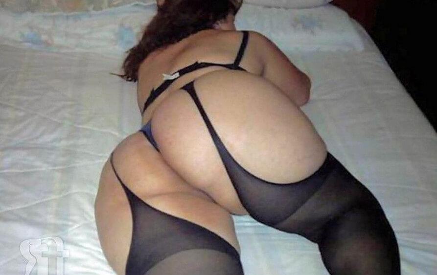 Огромные и голые попки женщин