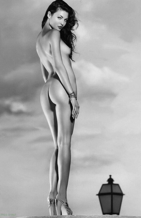 Черно-белые фото красивых задниц