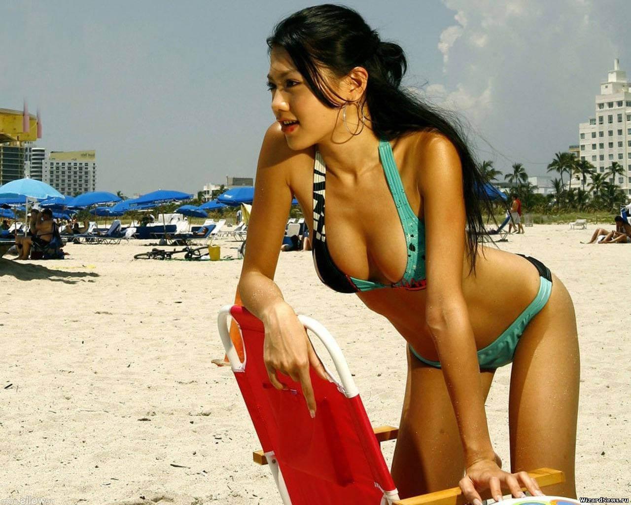 Девушки на пляже порнуха