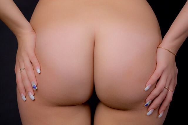 Круглые задницы тёлок