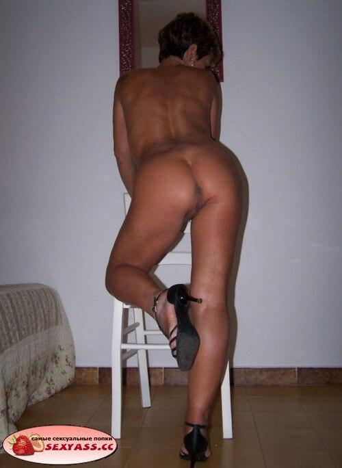 Горячие попки сексуальных женщин