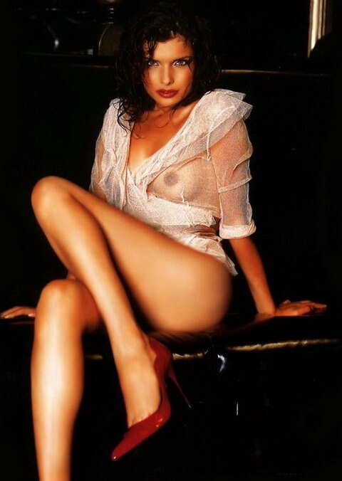 Заголённые эротические пердаки красоток — фотки