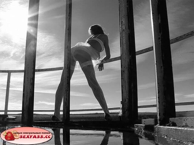 Оголённые спортивные ягодицы моделей — онлайн фотки