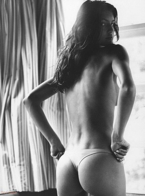 Плотские возбуждающие попочки шлюшек — erotic foto