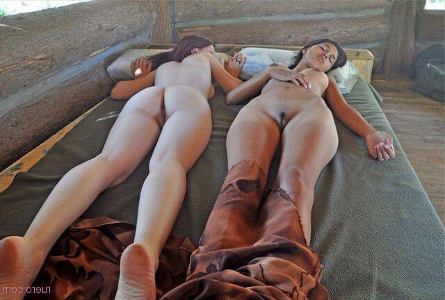 Откровенные жопки русых тёлок — онлайн фотки