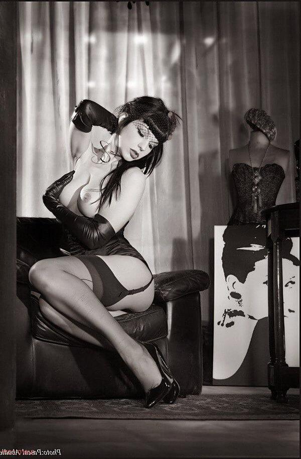 Слишком сексуальные жопаньки певиц