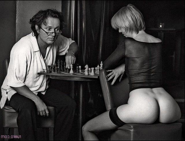 Эро задницы девок из нидерландов — 26 фото