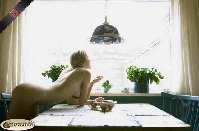 Сладострастные голые жопаньки гейш — бесплатные фото