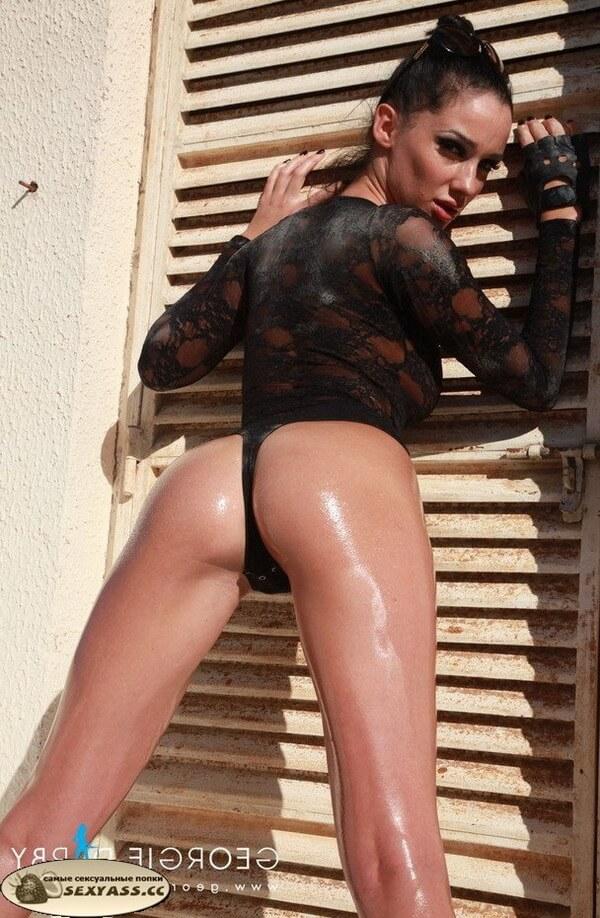 Чересчур круглые жопени голландок — фотографии