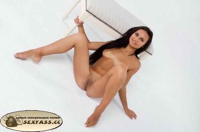 Лучшие сексушные раздвинутые пердаки шлюх